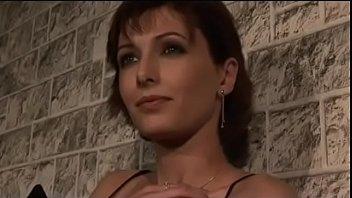 Порно лесбиянки и страпон высокого качества