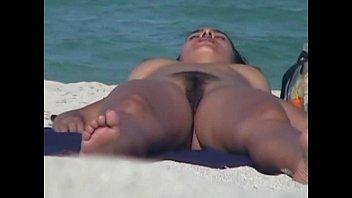 Подглядывание онлайн на пляже