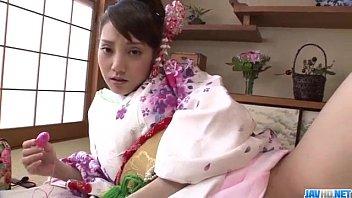 水戸かな 和服に着飾りローターオナニーを見せつける!