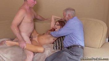 Жена привела любовницу заставила мужа лизать