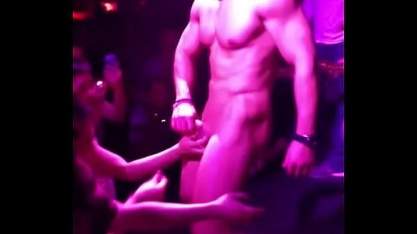 Brasileiro gogoboy fazendo felicidade dos homossexuais