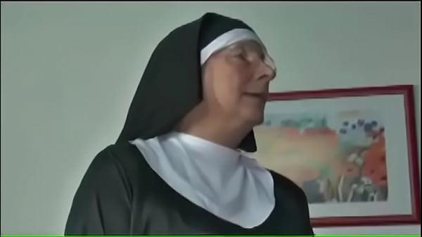 Старую монашку
