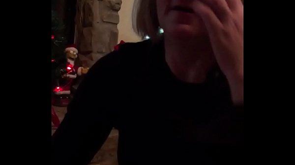 Порно жена зделала мужу подарок привела подругу