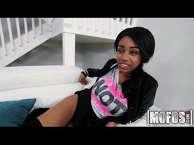 Mofos.com - Brittney White - Don't Break Me (8 min)
