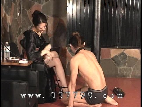 asian girls messy pants