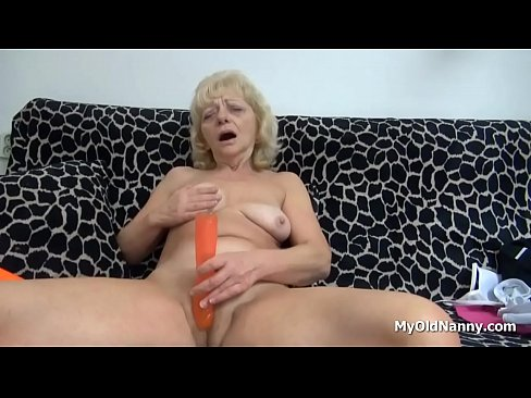Wrinkled granny masturbates caught