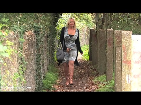 lucy zara blonde outdoor peeing relief