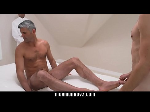 Real couples pussy creampie